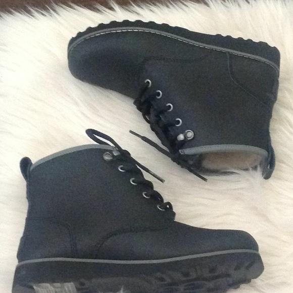 98a809ffb70 Ugg Uggs Black Maple II Waterproof Boot New